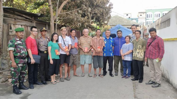 Forum Jurnalis Deli Serdang Indonesia Beri Bantuan Korban Kebakaran