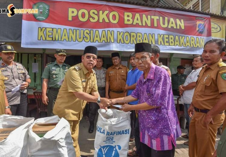 Pemko Padangsidimpuan Serahkan Dana Bantuan untuk Korban Kebakaran