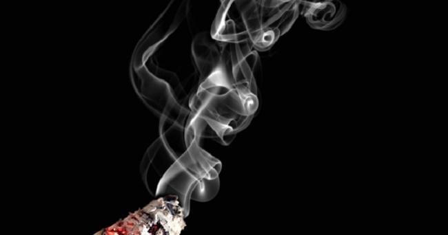 Apakah Rokok Elektrik Lebih Baik dari Rokok Tembakau? Jawabannya Sama-sama Tidak Baik