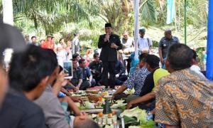 Kagumi Agrowisata Paloh Naga, Gubernur Sumut Ajak Masyarakat Kembangkan Potensi Desa