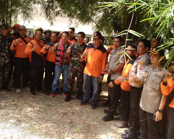 Kapolretabes Medan Jhonny Eddizon Isir Susuri Areal Sungai Deli Cegah Peredaran Narkoba