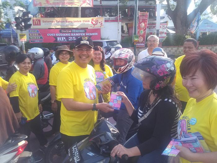 Kampanyekan Peduli Kanker, RS Murni Teguh dan Pemko Medan Turun ke Jalan
