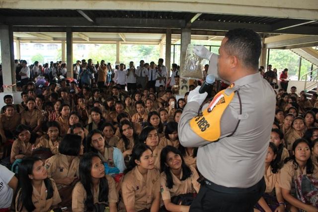 Kapolres Simalungun Berikan Penyuluhan Anti Narkoba kepada Ribuan Pelajar SMP dan SMA