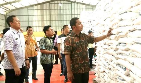 Bupati Tapteng Launching Penyaluran Perdana Bansos Rastra untuk 23.367 KK Warga