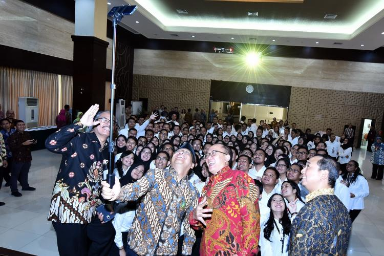 Lantik 173 PNS Baru, Mensesneg: Welcome to The Block Lembaga Kepresidenan