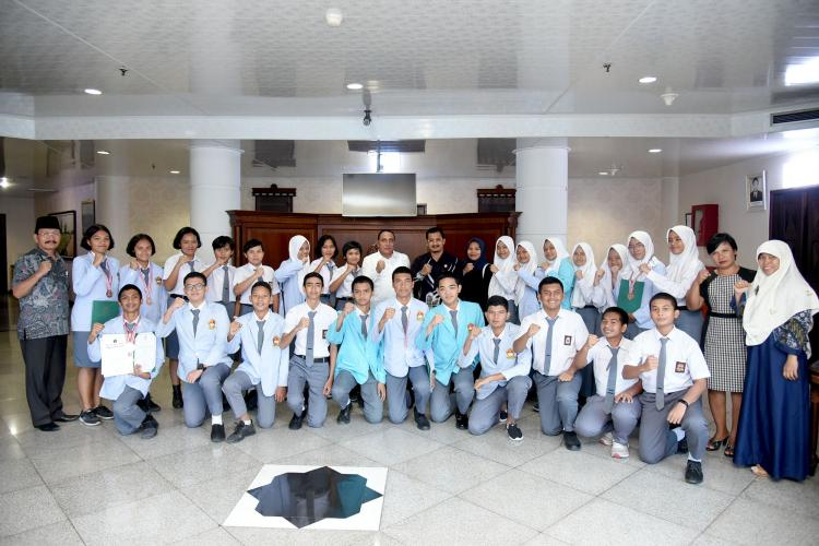 Terima Tim IPITEX Thailand SMAN 1 Matauli Pandan, Gubsu Apresiasi dan Motivasi Tingkatkan Prestasi