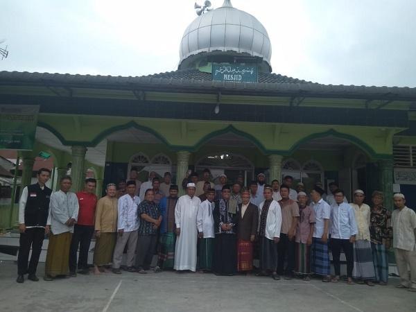 Tasyakuran Sholat Jumat Perdana di Masjid Silaturahmi Jalan Aksara, BMH Sumut Bagi Sedekah