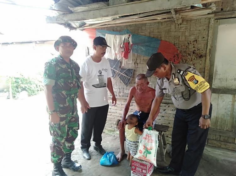 Sinergitas TNI-Polri, Peduli Masyarakat Kurang Mampu