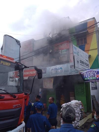 Tiga Ruko Bangunan di Jalan Sekip Medan Terbakar, Tiga Orang Terluka