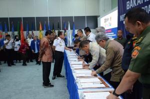 13 Institusi Teken MoU Pengawasan, Pengamanan, dan Pemanfaatan Sumberdaya Ikan di Laut Natuna Utara