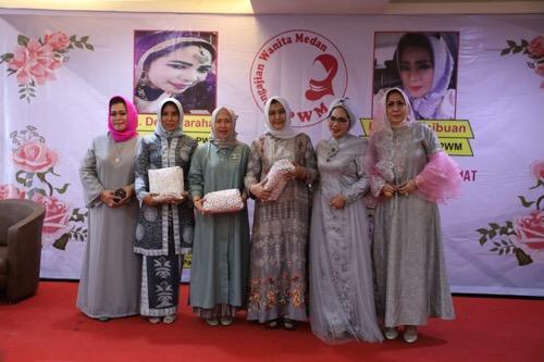Plt Ketua TP PKK Kota Medan Hadiri Milad  ke 5 Pengajian Wanita Medan