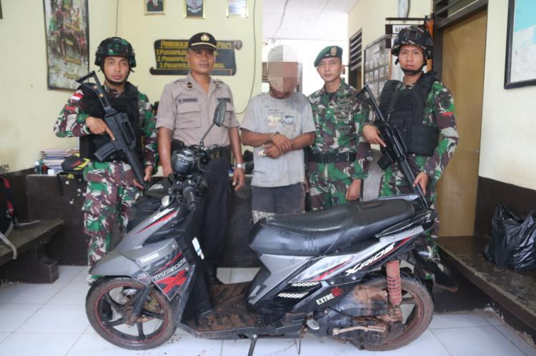 Satgas Yonif MR 411/Pdw Kostrad Gagalkan Aksi Curanmor di Jalan Trans Papua