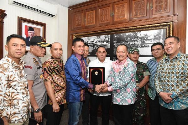 Bupati Batubara Teken Penlok Pengembangan Pelabuhan Hub Internasional dan Kawasan Industri Kuala Tanjung