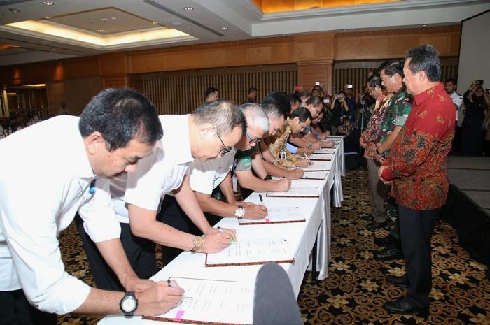 Panglima TNI Sebagai Saksikan Penandatanganan Force Down Pesawat Asing