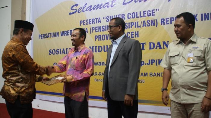 Berbagi Ilmu di Masa Lansia, PWRI dan UIN Aceh Sosialisasi Program Silver College
