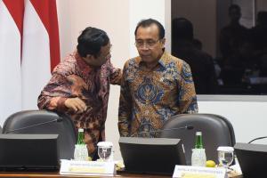 Menko Polhukam: RUU Cipta Kerja Ada di DPR, Masih Bisa Diperbaiki