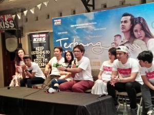 Malam Ini Pemain dan Kru Film Terbang Menembus Langit, Nonton Bareng di Kota Medan