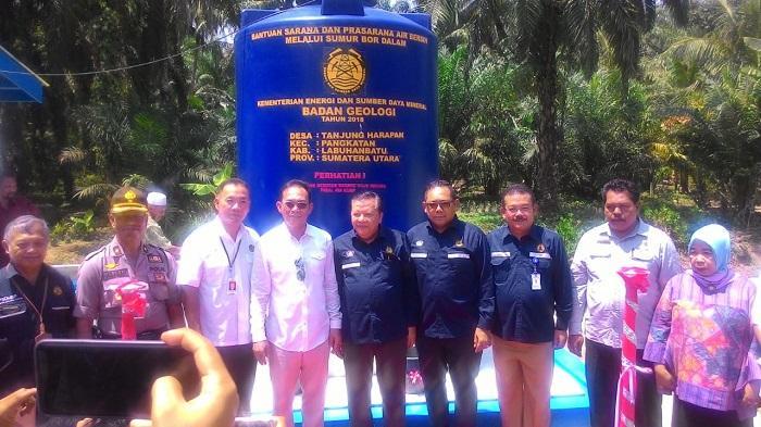 Kementerian ESDM Serahkan Bantuan Sumur Bor ke Labuhanbatu