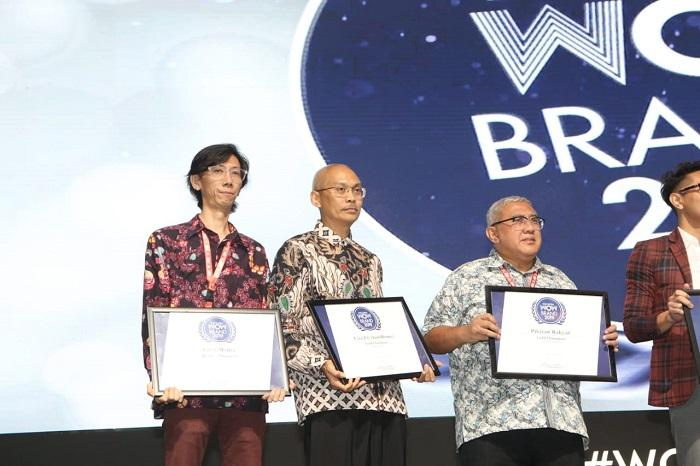 First Media Terima Penghargaan WOW Brand 2019