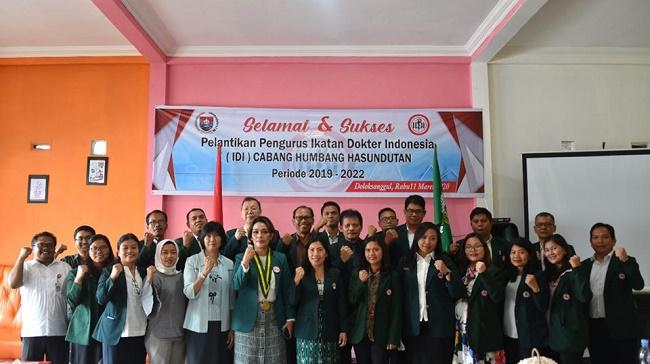 Pelantikan Pengurus IDI Cabang Humbahas, Bupati Ingatkan Dokter Ujung Tombak Pelayanan Kesehatan di Humbahas