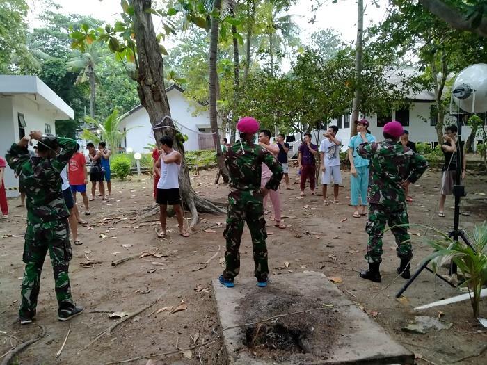 Kogasgabpad TNI Pimpin Olahraga WNI ABK Observasi Pulau Sebaru