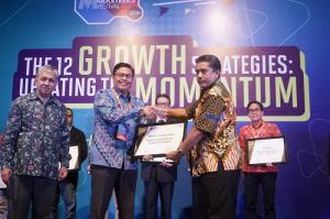 Indra Pamulihan GM Pelindo 1 TPK Belawan Terima Penghargaan Industry Marketing Champion 2020