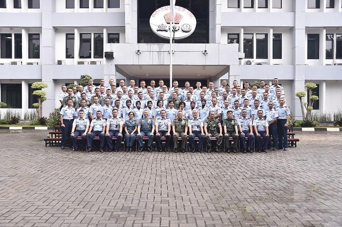 69 Perwira Siswa Sekkau Angkatan 107 Kunjungi Mabes TNI