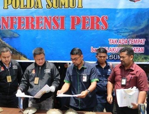 2 WNA Ditangkap di Bandara Kualanamu, Diduga Hendak Jual 12 Ribu Masker ke Malaysia dan Singapura