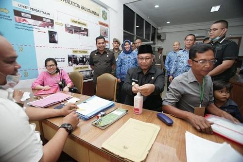 Plt Walikota Medan Tinjau Penggunaan Hand Sanitizer