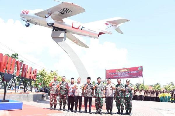 Panglima TNI Resmikan Monumen Pesawat MiG-17 Fresco