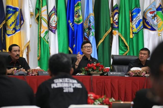 Mendagri Beri Pembekalan Tim Pemantau, Pelaporan dan Evaluasi Pemilu 2019