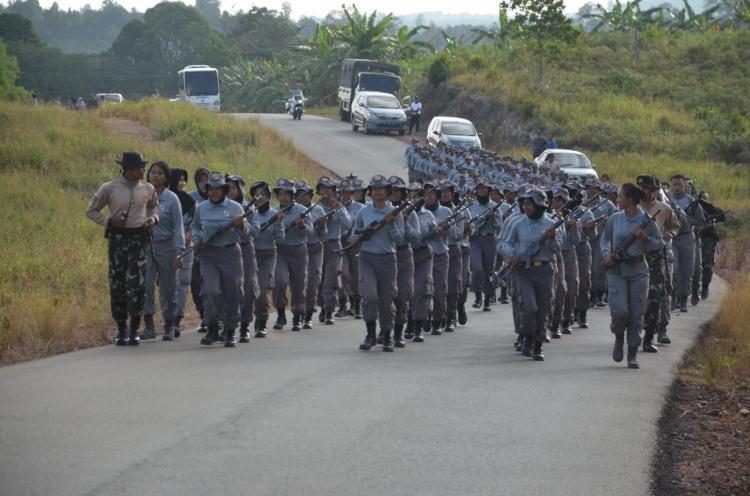 Paramiliter Bakamla Demonstrasikan Kemampuan Beladiri