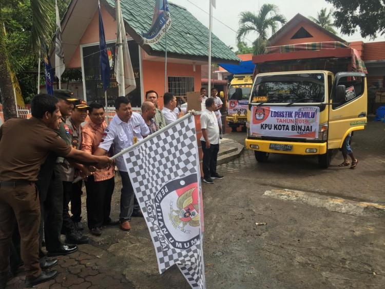 KPU Binjai Distribusikan Logistik ke TPS, Hari Ini untuk Tiga Kecamatan