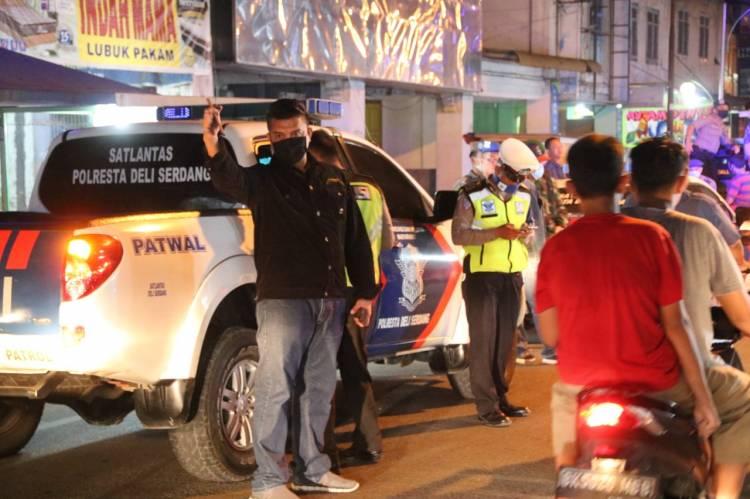 Kasat Narkoba Polresta Deli Serdang Himbau Masyarakat melalui Patroli Gabungan
