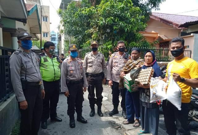 Polsek Medan Area Bantu Korban Kebakaran di Jalan Denai Gang Mulia