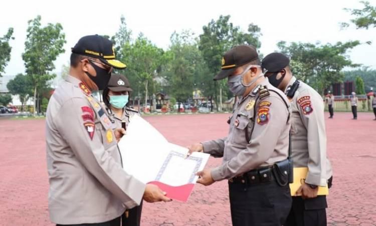 Kapolda Sumut Pimpin Upacara Penyerahan Piagam Penghargaan untuk Personil TNI-POLRI Berprestasi