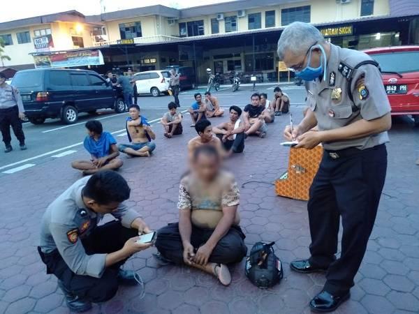 15 Orang Diamankan Polisi di Kawasan Selambo Medan, Dua Diantaranya Oknum Polisi Poldasu