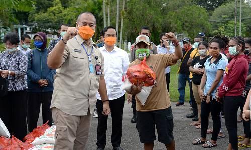 Lockdown di Asrama, Gugus Tugas Provinsi Sumut Salurkan Sembako kepada Mahasiswa