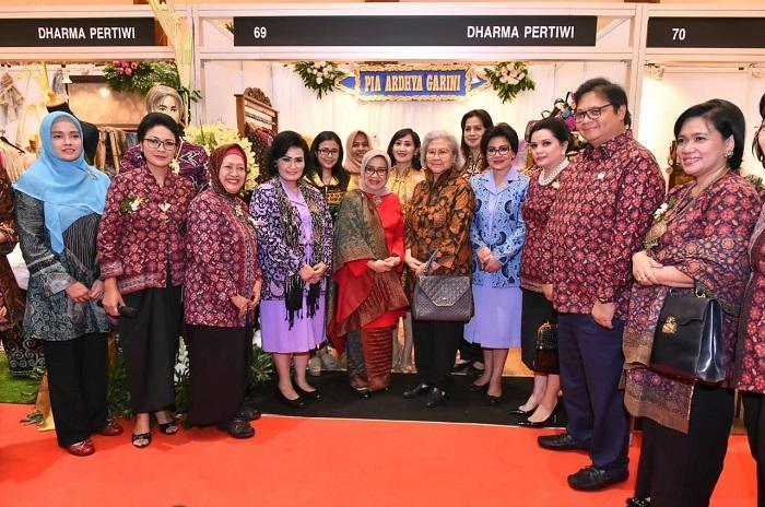 Ketum Dharma Pertiwi Hadiri Gelar Batik Nusantara 2019 di Jakarta