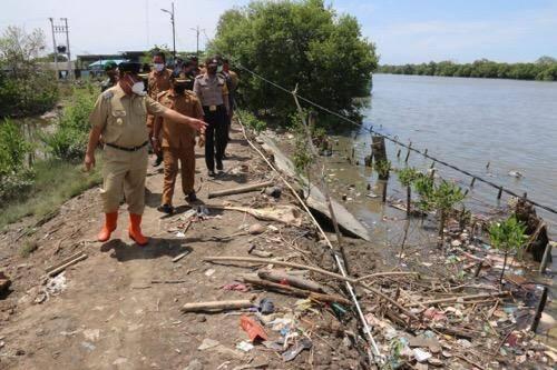 Air Laut Pasang Sebabkan Tanggul Jebol di Medan Labuhan, Plt Wali Kota Medan Turun Meninjau Langsung