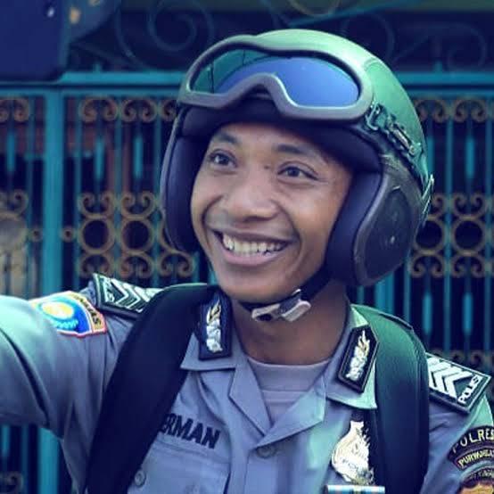 Viral, Youtubers Pak Bhabin Polisi Purworejo Apresiasi Kinerja Polsek Medan Helvetia