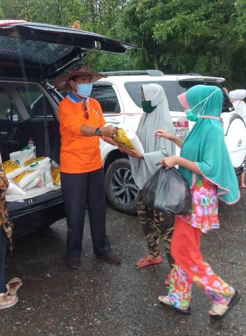 Donatur MINDA Berbagi Sembako untuk Pemulung dan Pengangkut Sampah di TPA Gampong Jawa dan Peuniti Banda Aceh