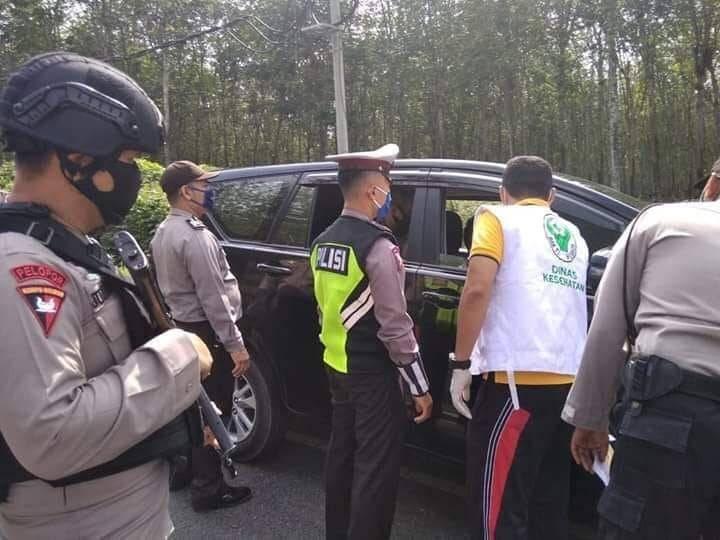 Ratusan Kendaraan Putar Balik, Polres Simalungun Cegah Kedatangan Pemudik Saat Covid-19