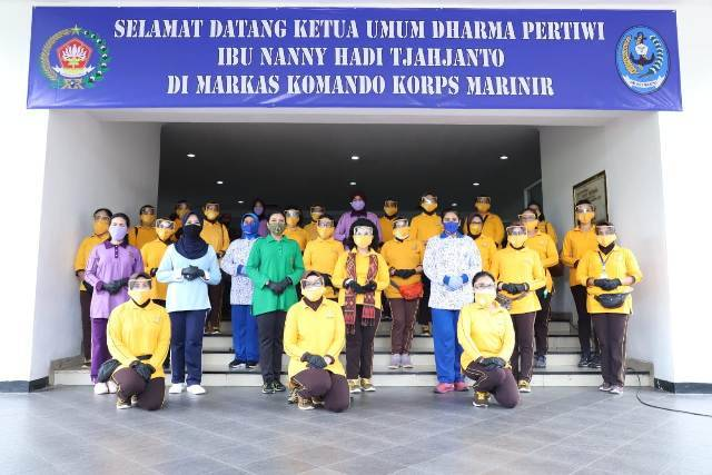 Ketum Dharma Pertiwi Tinjau Rapid Test di Markas Komando Korps Marinir Kwitang