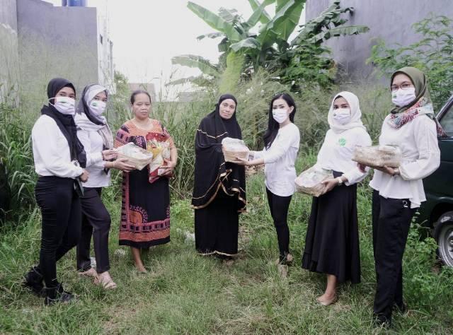 Perempuan Tani HKTI Salurkan Ribuan Sembako ke Petani Terdampak Covid-19