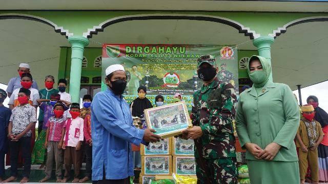 Danrem Merauke Kolonel Inf Bangun Nawoko Santuni Anak-Anak Panti Asuhan Al Khodijah