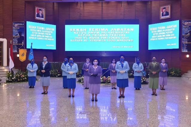 Ketum Dharma Pertiwi Pimpin Sertijab Ketua Umum Jalasenastri