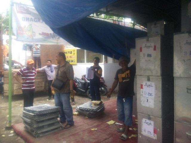 KPU Deli Serdang Distribusikan Logistik Pilkada Serentak