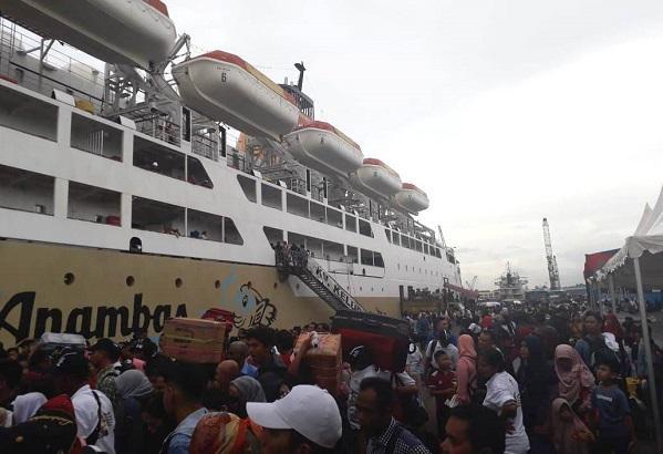Pelindo 1 Berangkatkan Rombongan Mudik Gratis Via Laut