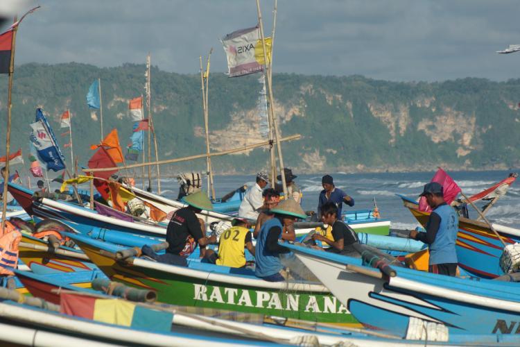 Nelayan dan Petani Sasaran Akan Dapat Mesin dan Tabung Gas LPG Gratis